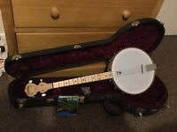 SOLD - Hardly used Deering Goodtime Tenor Banjo with hard case & strings