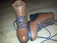 Women's boots size 5