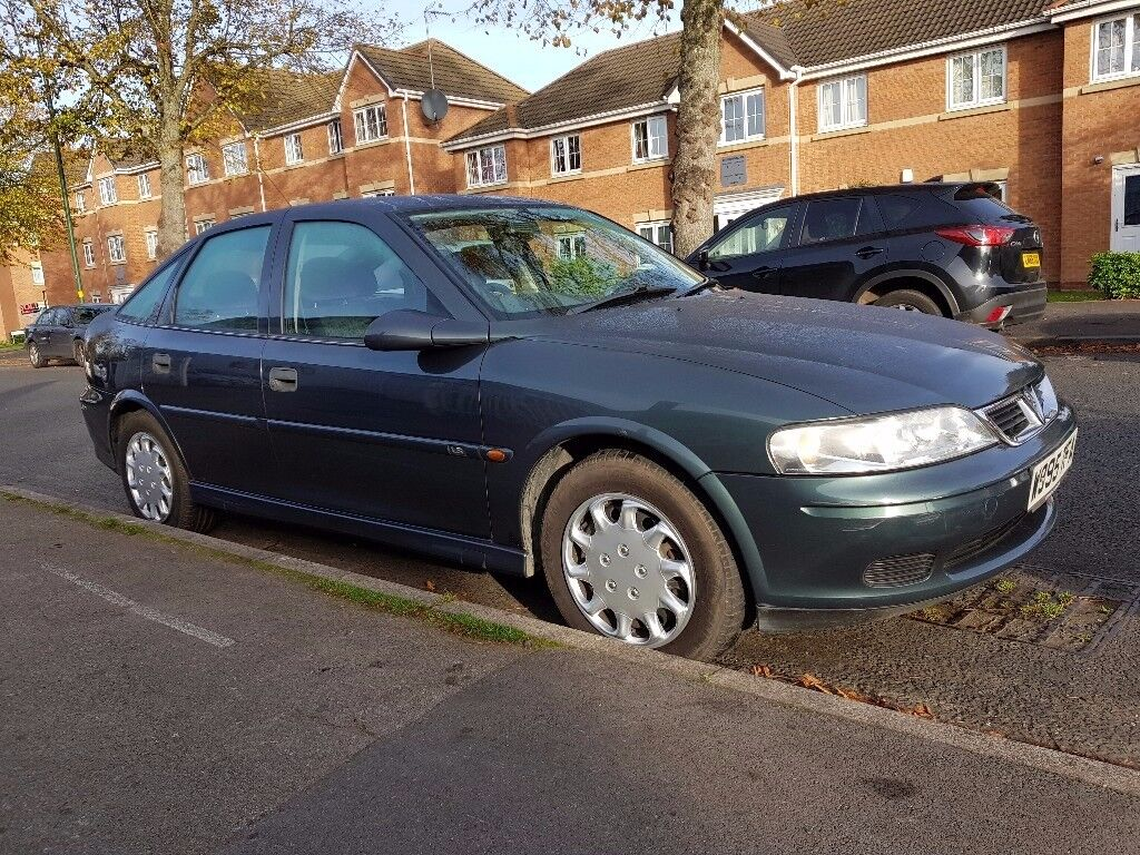 VAUXHALL VECTRA 1,8 LS 2000 GREEN 2 OWNERS ONLY 77,000 MILES 10 SERVICE STAMPS 12 MONTHS MOT MAY P/X