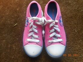 Pink Heeleys £15 Pink Heelys Boxed se pictures for description £15 size 33/ size 1 sadly too small