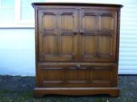 TV/Video cabinet - Ercol, solid oak