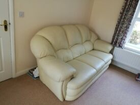 Large 3 Seater Cream Leather Sofa – Excellent Condition