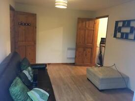 1 Bedroom Garden Flat (Self-contained) to Rent in Slough, Manor Park (Furnished) - Available Now