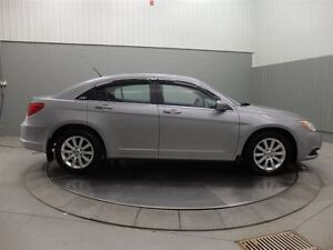 2013 Chrysler 200 TOURING A/C MAGS TOIT OUVRANT West Island Greater Montréal image 4