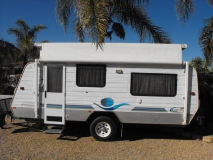 caravan Semi off road pop top