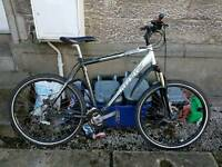 Trek 4300 21 speed mountain bike with thin wheels / disc breaks