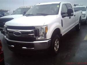 2017 Ford Super Duty F350 A Roues Arriere Simples XLT CREW 4X4 M
