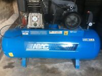 POWERFUL AIR COMPRESSOR 5.5HP 200 LITRES