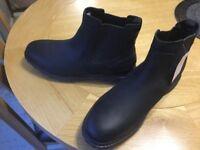 Black rockport boots 10.5