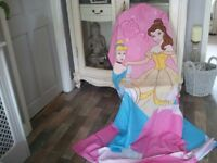 Lovely x 2 matching sets of girls bedding 4 actual lots of bedding