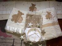 Unisex cot bed set