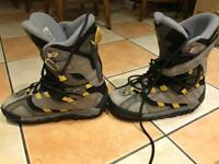 Snowboarding boots size 9