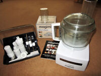 Magimix Cuisine 4200 and accessories.
