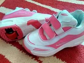 Girls heelys size 2