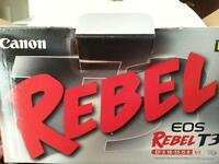 Canon EOS Rebel T3 Camera and lens kit