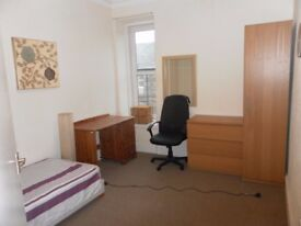 FLATMATE NEEDED IN 2 BEDROOM FLAT FOR STUDENTS
