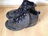 Karimoor walking Boots size 4