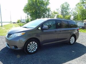 2011 Toyota Sienna LE 7 Passenger *Awd*Camera*AC*Mags*