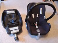 CabrioFix Group 0 car seat and iso-fix base