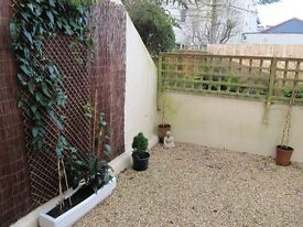 Torquay 1 bed garden flat