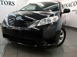 2014 Toyota Sienna LE 8 Passagers
