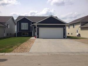 Spacious 2 bedroom unit-move in ready today!