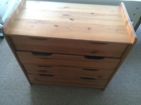 Solid oak 4 drawer - Chest of drawers
