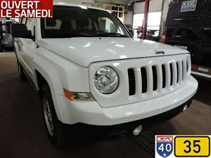 2015 Jeep Patriot NORTH, 4x4 8 PNEUS, BAS MILLAGE