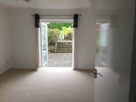 Sidmouth - 1 bedroom annexe flat, newly re-carpeted with off-road parking