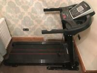 Confidence fitness running machine with incline