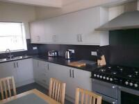 LARGE DOUBLE ROOMS FOR RENT IN SHARED TOWN-HOUSE