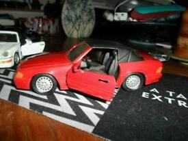 """NO TEXTS PLEASE. """"CORGI"""" Mercedes Benz 500SL (RED) (7.5 ins) £7"""