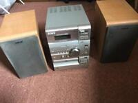 Sony CD/tape and player - 2 speakers (model CMT CP11)