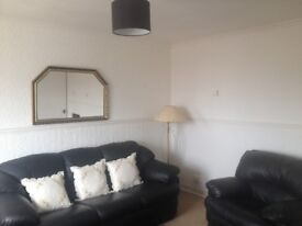Well Presented High Rise 1 Bed Flat In Popular Area Of Paisley