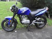 Sinnis Stealth 125 motorcycle, new MOT, ready to ride away, amazing condition !!!
