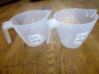 2 x new plastic 2 litre measuring jugs