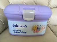 Johnsons Skincaring Essentials