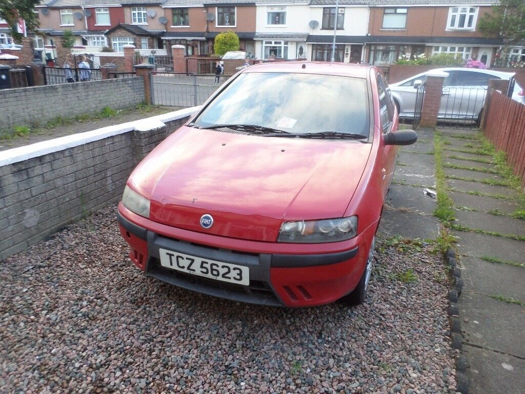 FIAT PUNTO, WELL MAINTAINED AND LOOKED AFTER, DRIVING GREAT.£390 ONO