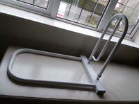 Bed matress rail