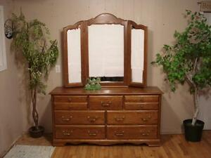 Quality Solid Oak Ladies Dresser