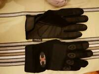 Job the lot gloves × 21 £10 the lot