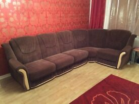 Large Corner Sofa - 5 seater - Brown - loads of storage - clic clac bed