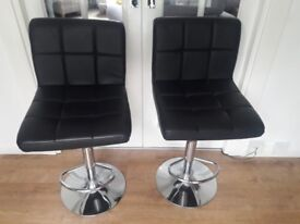 Black Bar Stools In excellent Condition
