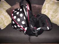Hauck baby car seat/carrier with accessories