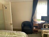 1 bedroom in East Mosley, Surry, KT8 (#1224999)
