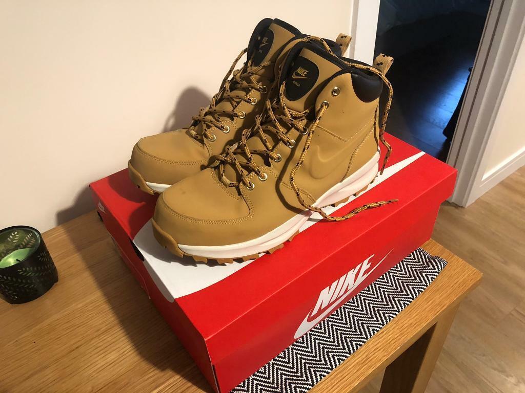 the latest 9c37e 056c9 Men s Uk size 10 Nike Manoa Beige Leather Boots