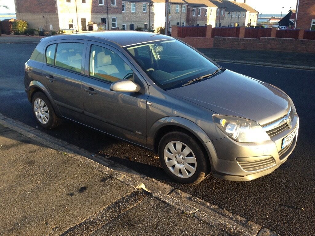 56 REG ASTRA 1.3 CDTI JUST HAD NEW CLUTCH AND FLYWHEEL . 12 MTH MOT . FULL SERVICE HISTORY