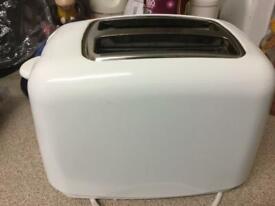 Hardly used white Argos toaster only £4