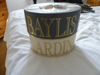 LADIES BAYLIS AND HARDING LUXURY GIFT SET
