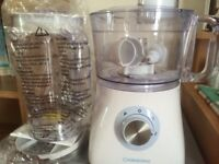 Cooks works food processor only used twice complete with liquidiser and instruction book